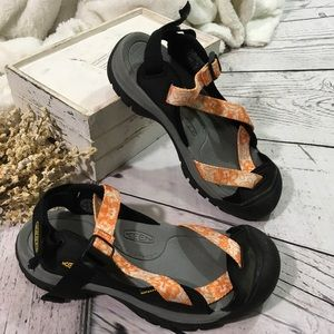 Keen zerraport outdoor hiking floral strap sandals